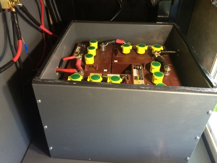 Batterybox04